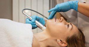 Străluceşte de sărbători cu ajutorul unui tratament facial complet