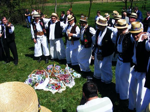 Află care sunt tradițiile și superstițiile românilor de Paște