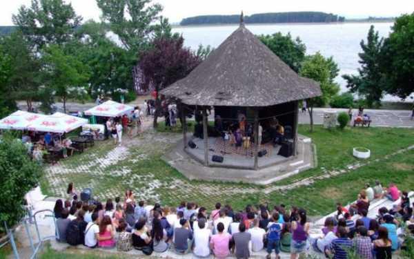 Concerte estivale pe Faleza Dunării şi în Grădina Publică