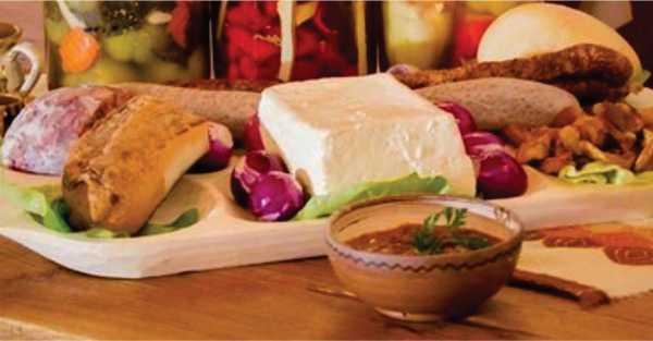 Degustare de zacuscă, gemuri, preparate tradiționale, brânzeturi la Dasano