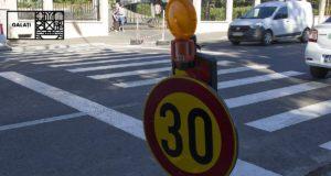 Prima etapă a lucrărilor de supraînălțare a trecerilor de pietoni de pe strada Traian s-au încheiat