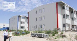 Lucrările la cele trei blocuri de locuințe sociale se apropie de sfârșit
