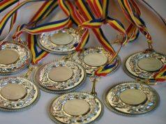 84 de elevi și 76 de profesori premiați pentru rezultatele obținute la olimpiade