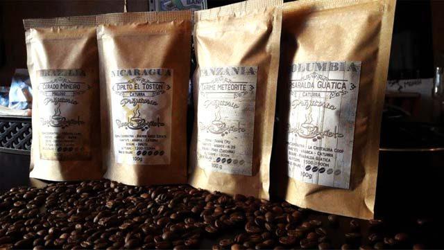 Cum ambalăm cafeaua pentru a-și păstra aromele intacte?