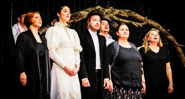 """Premieră """"Salba Dracului"""", în regia lui Alexandru Dabija, pe 20 și 21 aprilie!"""