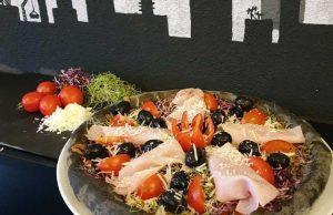 Nou în Galați!! Black Pizza - o nouă modă culinară cu sortimente delicioase