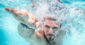 Este important să mergi la piscină? Iată ce avantaje aduc sporturile în apă