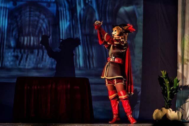 Motanul Încălţat şi peripeţiile sale - în weekend la Teatrul Gulliver