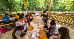 """Tabără de creație pentru copii la Centrul Cultural """"Dunărea de Jos"""""""