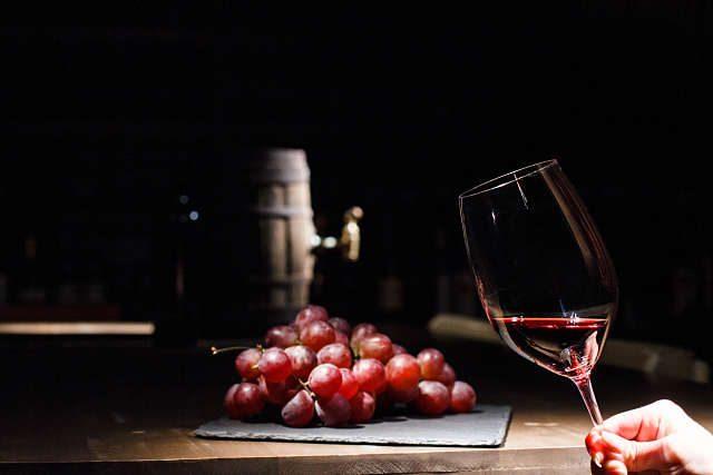De ce vinuri de Vrancea la Crama lu' Bachus?