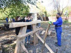 Atelier de sculptură în lemn, cu specific oriental, la Grădina Botanică Galaţi