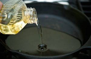 Auchan va include un punct de colectare a uleiului alimentar uzat