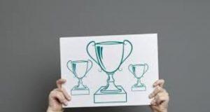 Premii pentru elevii olimpici